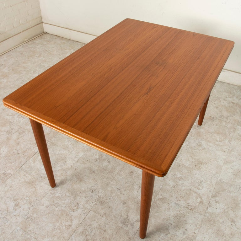Midcentury Danish Modern Teak Dining Table with Draw Leaves For Sale 2