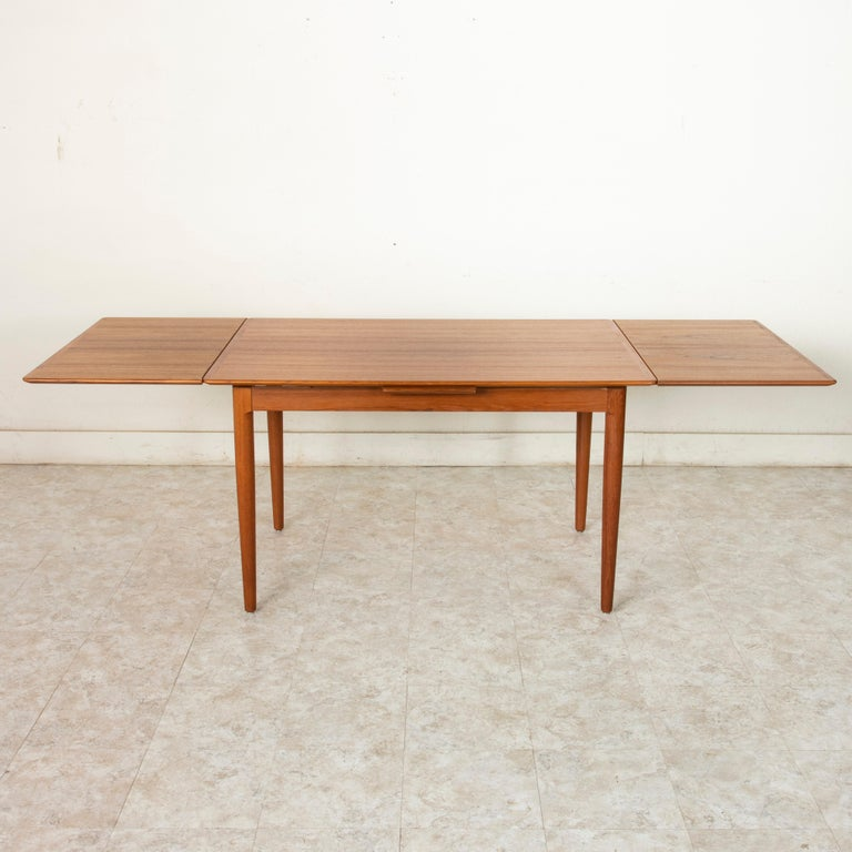 Midcentury Danish Modern Teak Dining Table with Draw Leaves For Sale 3