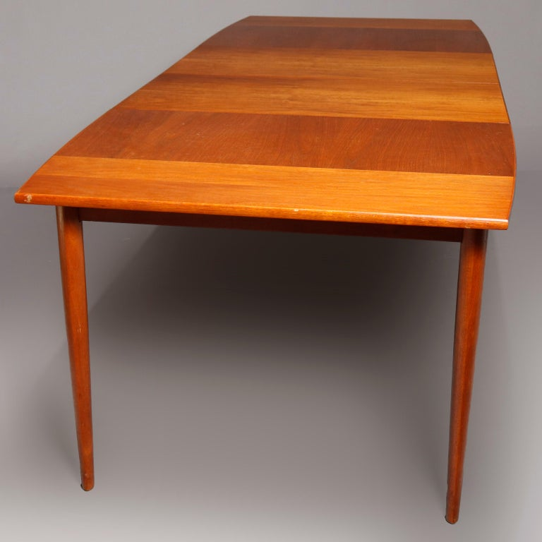 Midcentury Danish Modern Walnut Dining Set by Drexel, 20th Century For Sale 5