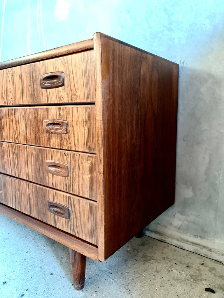 Mid-Century Modern Midcentury Danish Rosewood Chest of Drawers For Sale