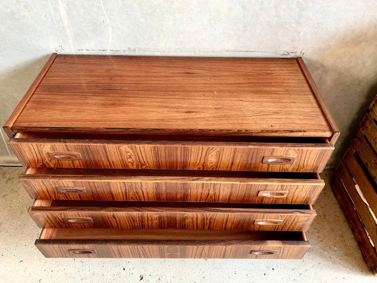 Midcentury Danish Rosewood Chest of Drawers In Good Condition For Sale In Copenhagen, DK