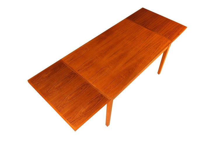Mid-Century Modern Midcentury Danish Teak Extendable Dining Table For Sale