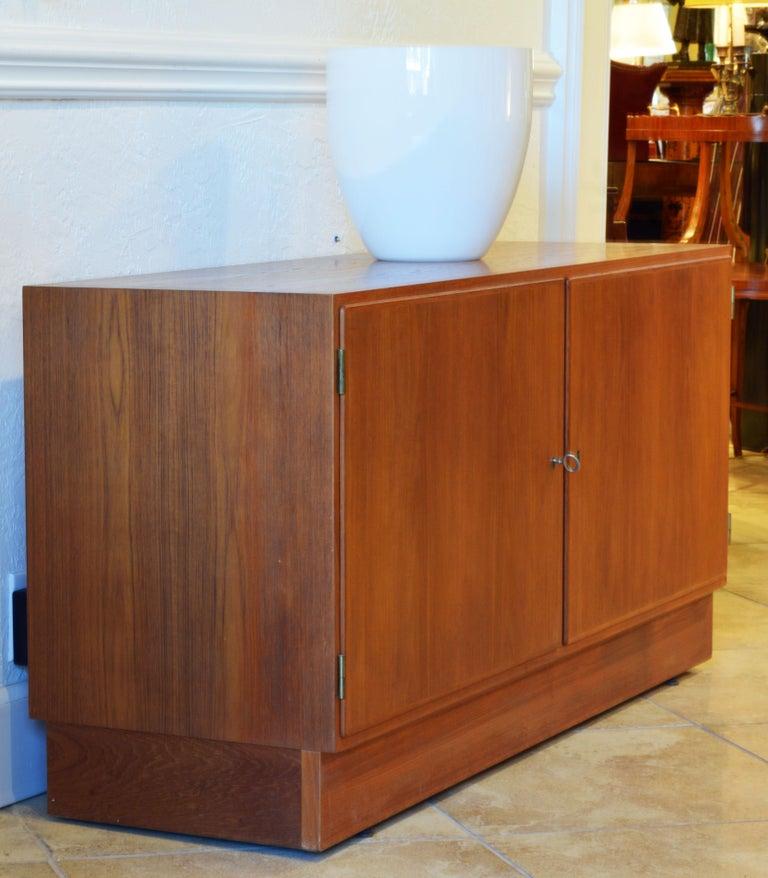 Wood Midcentury Danish Teak Sideboard or Credenza by Carlo Jensen for Poul Hundevad For Sale