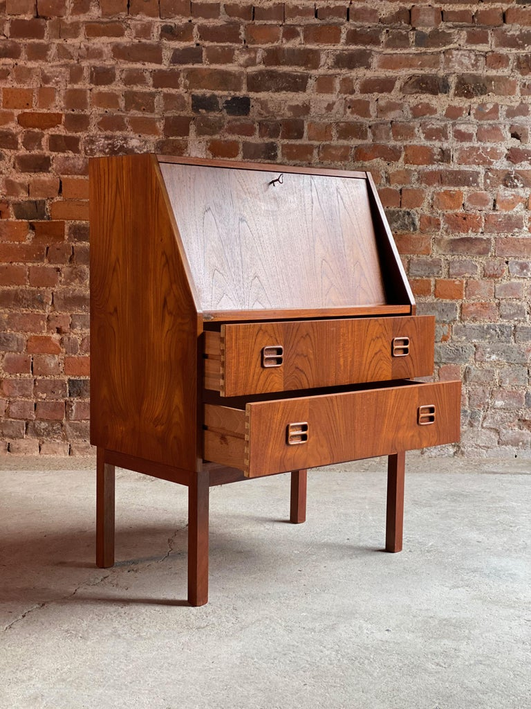 Midcentury Danish Teak Writing Bureau & Moller Style Chair, Denmark, circa 1970 For Sale 3
