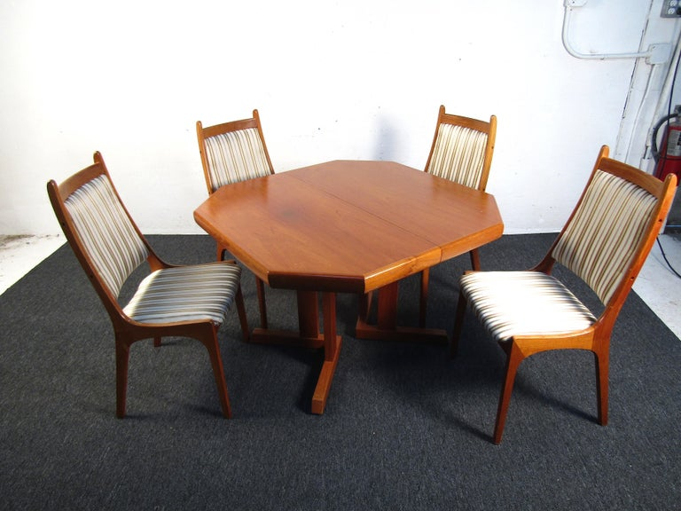 Mid-Century Modern Mid-Century Danish Teak Dining Set with Four Chairs For Sale