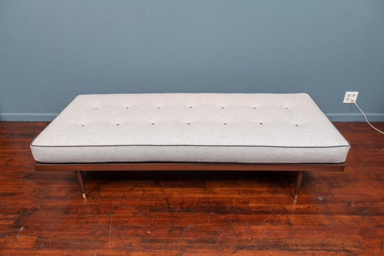 Mid-Century Modern Midcentury Daybed For Sale