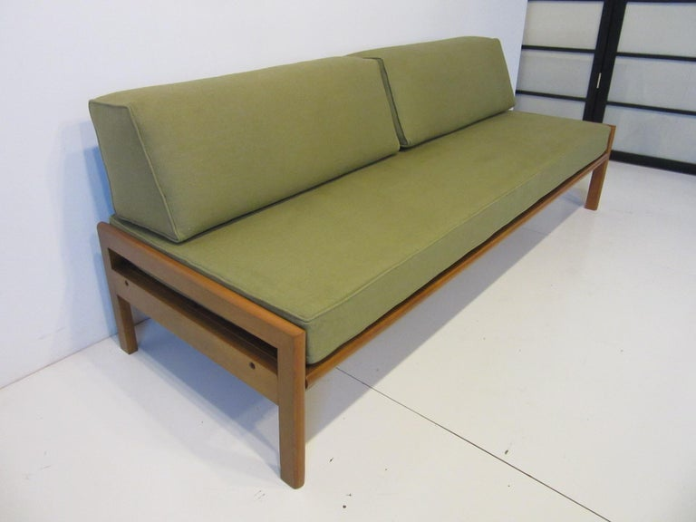 Mid-Century Modern Midcentury Daybed / Sofa in the Style of Van Keppel Green For Sale