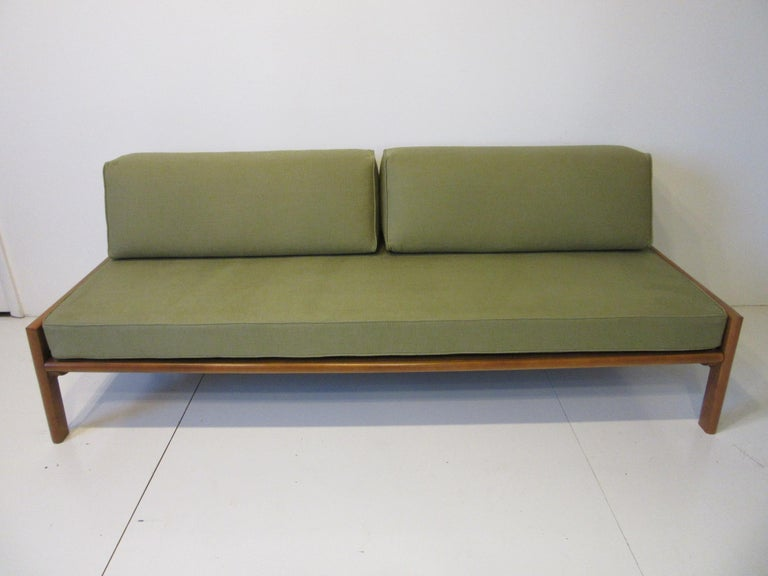 Midcentury Daybed / Sofa in the Style of Van Keppel Green For Sale 1