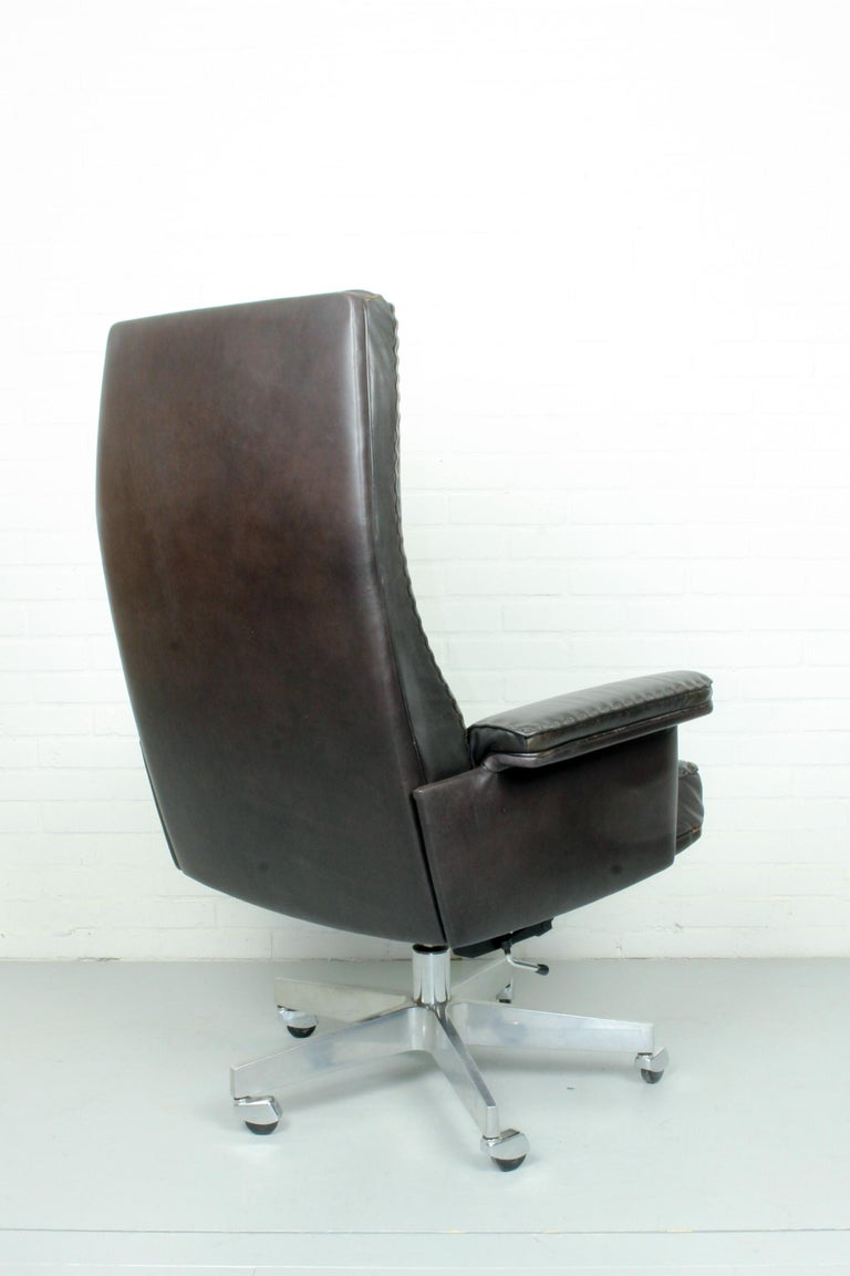 Swiss Midcentury De Sede DS 35 Executive Recliner or Swivel Office Chair, 1960s For Sale