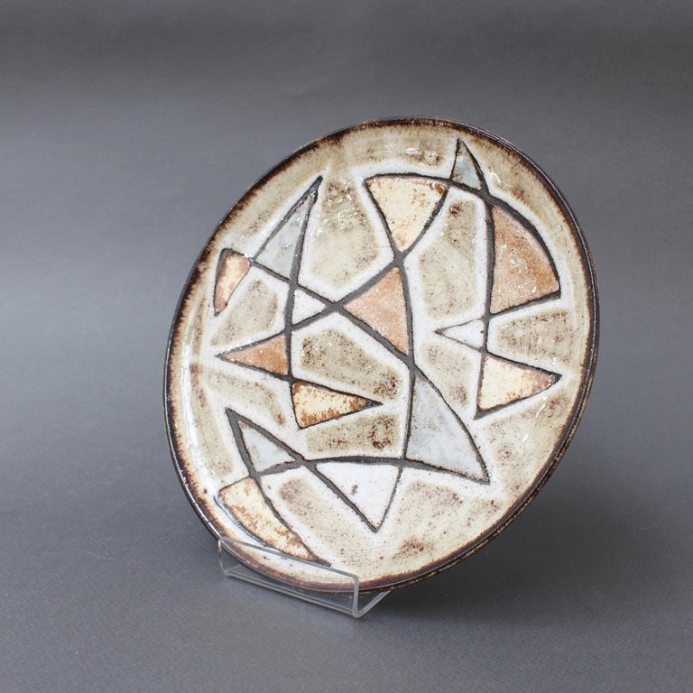 French Midcentury Decorative Ceramic Plate by Robert Perot of Vieux Moulin, circa 1950s For Sale