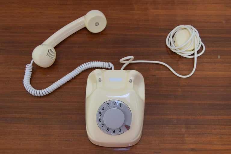 Mid-Century Design Telephone by Tesla, 1979 For Sale 3
