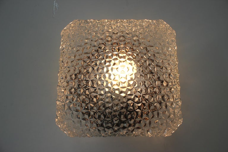 - Very nice style of lighting - Marked by label.