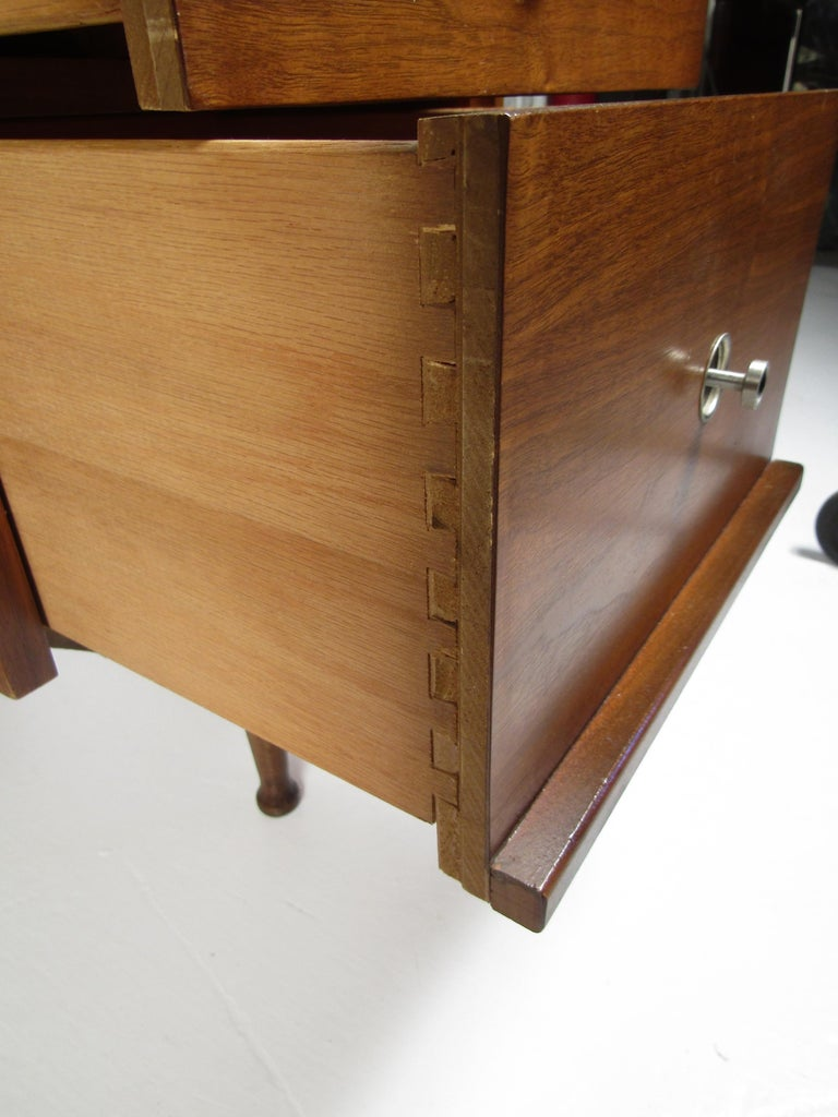 Midcentury Desk and Chair by Hooker Furniture For Sale 3