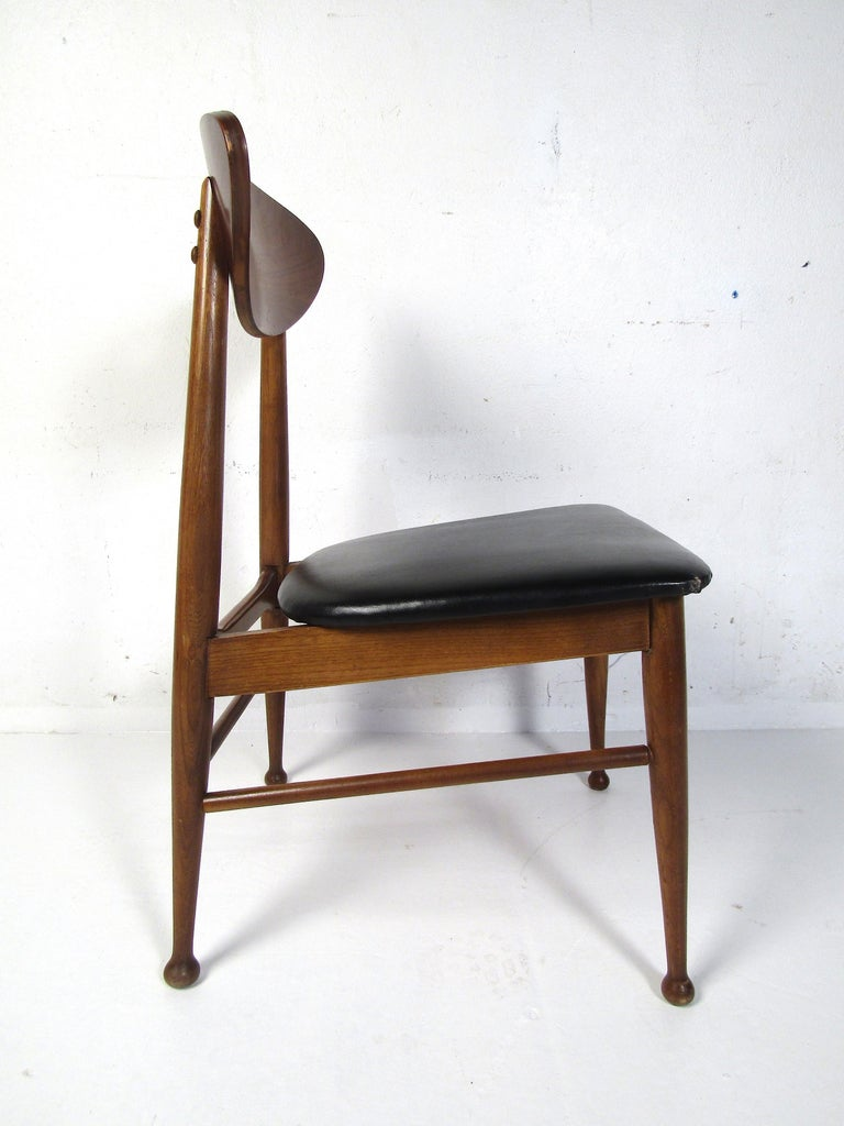 Midcentury Desk and Chair by Hooker Furniture For Sale 6