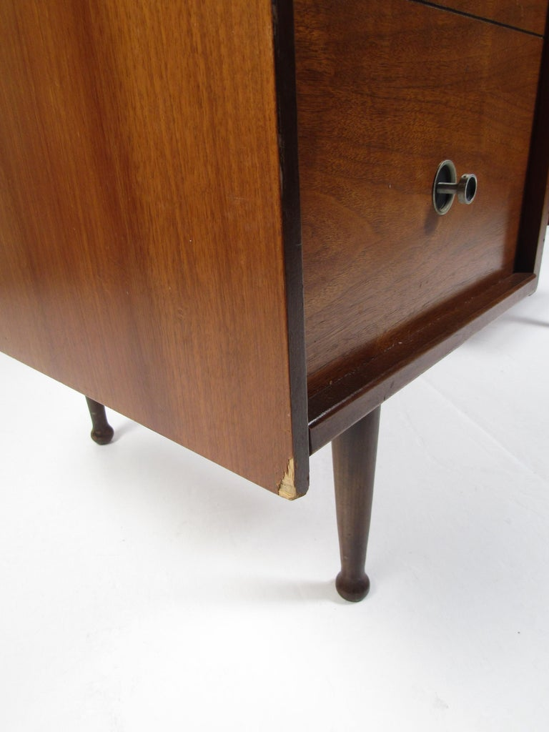 Midcentury Desk and Chair by Hooker Furniture For Sale 10