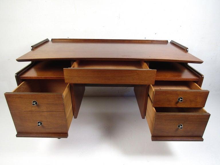 Veneer Midcentury Desk and Chair by Hooker Furniture For Sale