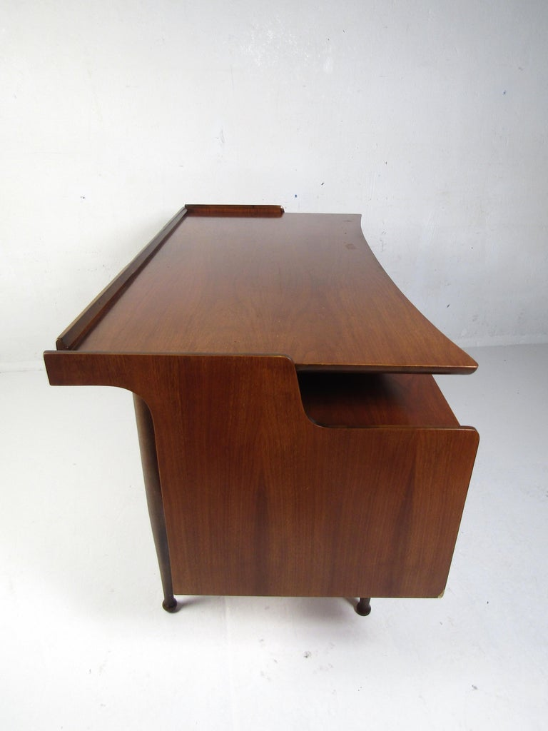 Mid-20th Century Midcentury Desk and Chair by Hooker Furniture For Sale