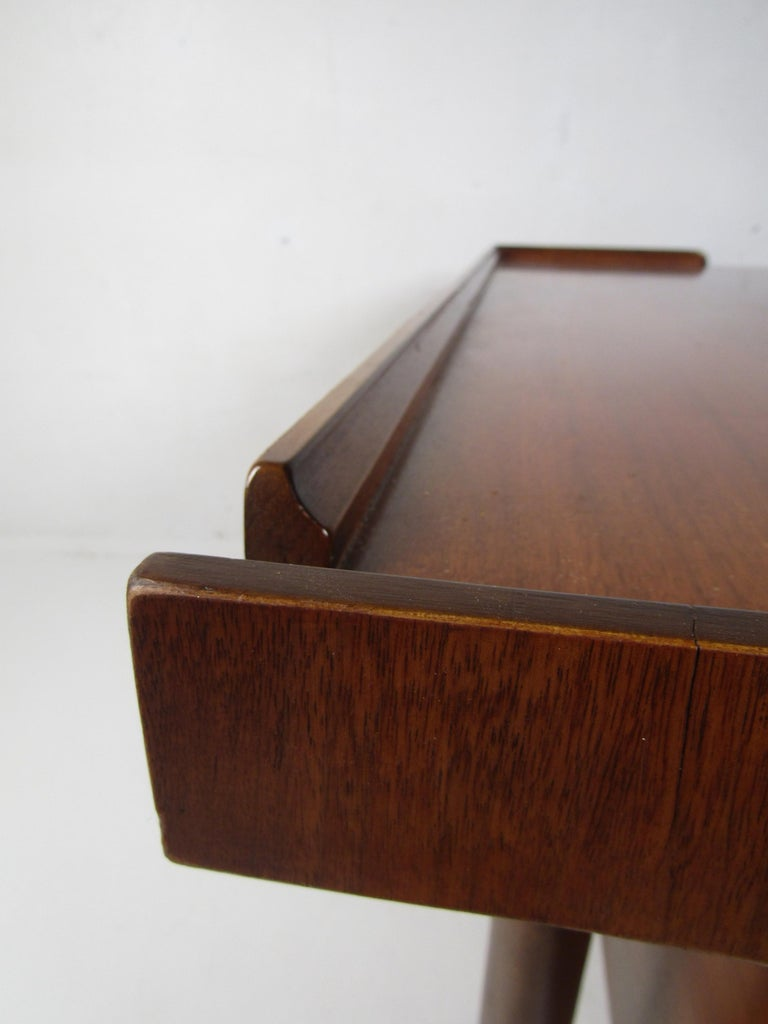 Midcentury Desk and Chair by Hooker Furniture For Sale 1