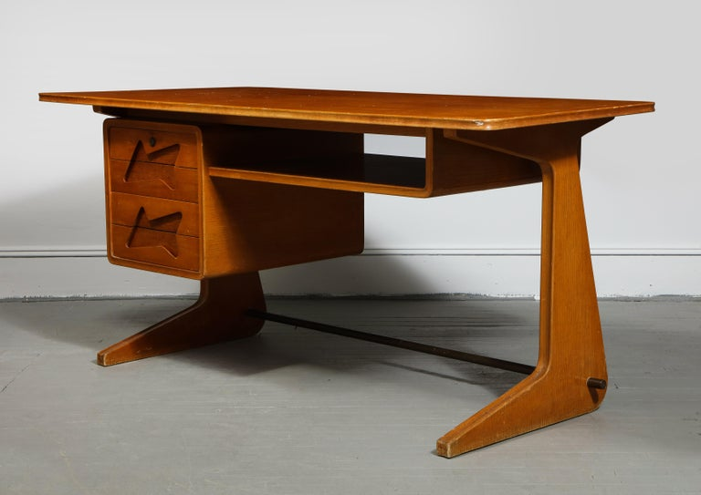 Mid-Century Desk in the Manner of Gio Ponti, Italy, circa 1950s For Sale 9
