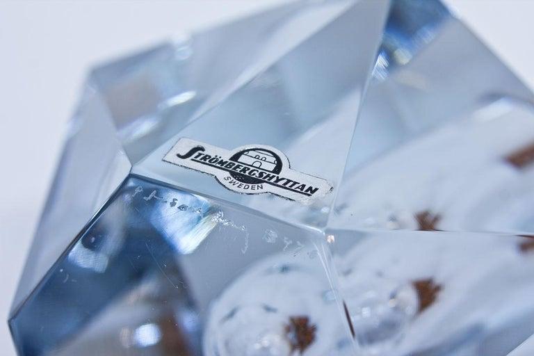 Swedish Midcentury Diamond Crystal Glass Vase by Strömbergshyttan, Sweden For Sale
