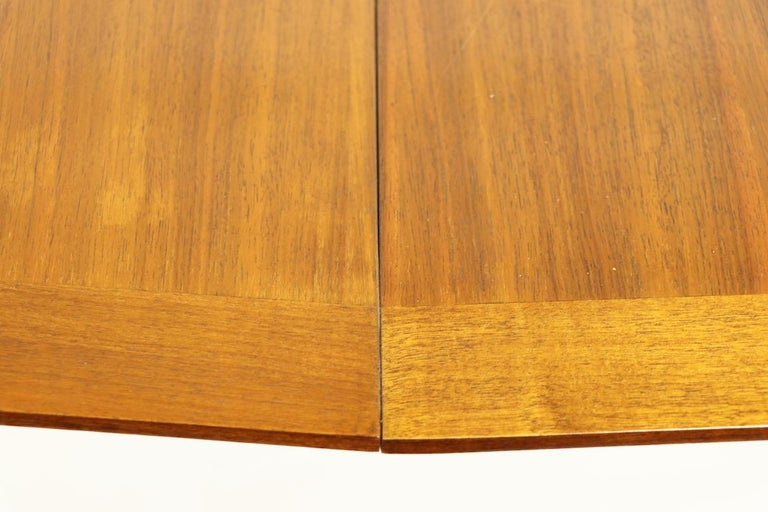 Mid Century Dining Table by Gimson and Slater In Good Condition For Sale In New York, NY