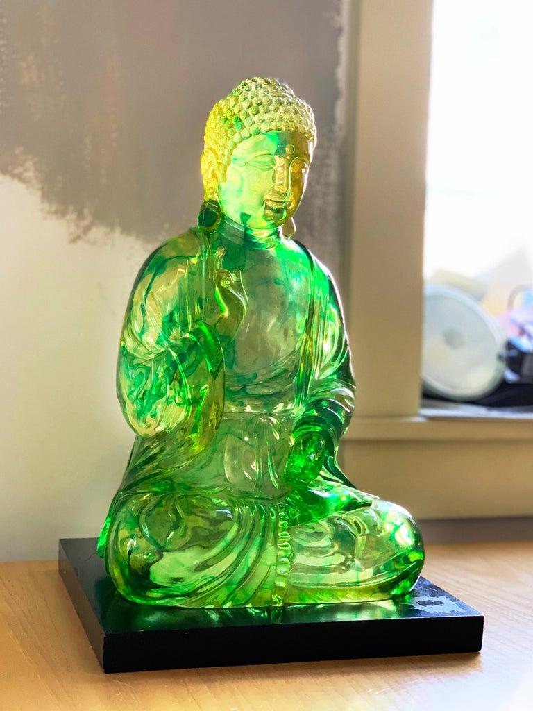 Midcentury Dorothy Thorpe Lucite Citrine Gautama Buddha lotus sculpture, 1960s. Gorgeous piece. Quite large (more than 16