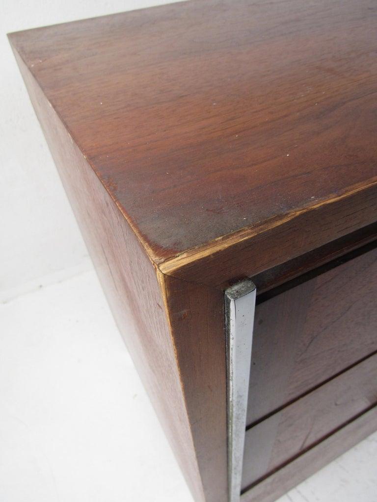 Midcentury Dresser by Lane For Sale 3