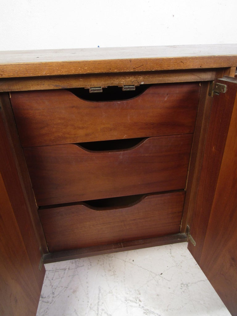 Midcentury Dresser by Lane In Fair Condition For Sale In Brooklyn, NY