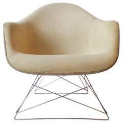 Midcentury Eames LAR Base Fiberglass Arm Lounge Chair Herman Miller, 1960s