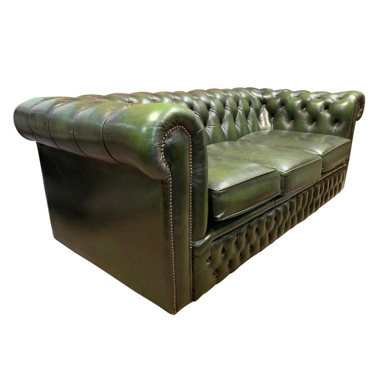 Edwardian Midcentury English Emerald Green Chesterfield Sofa For Sale