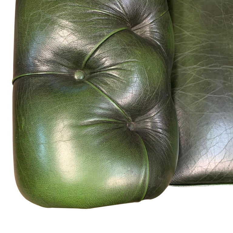 Late 20th Century Midcentury English Emerald Green Chesterfield Sofa For Sale