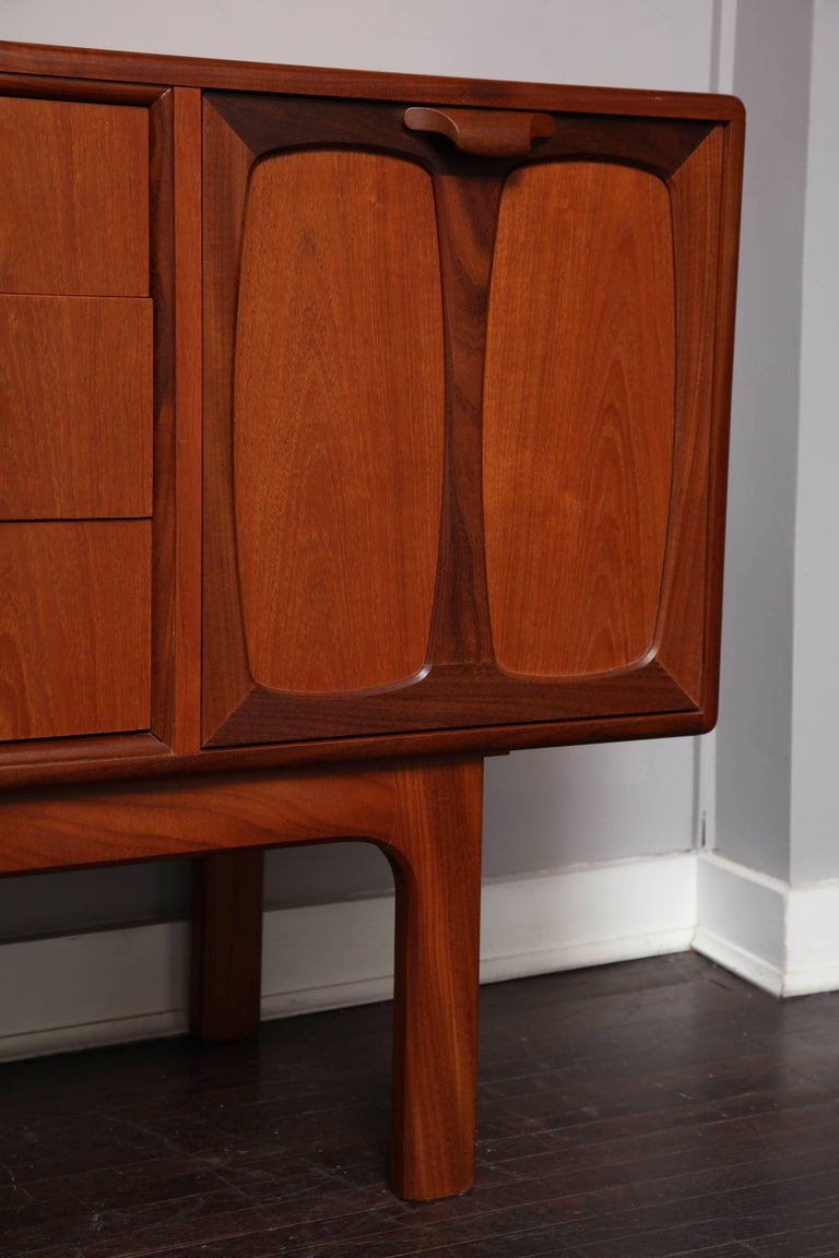 Midcentury English Teak Credenza In Excellent Condition For Sale In New York, NY