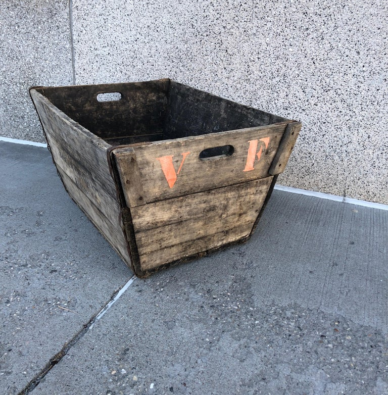 Midcentury French Champagne Harvest Basket In Good Condition For Sale In New York, NY