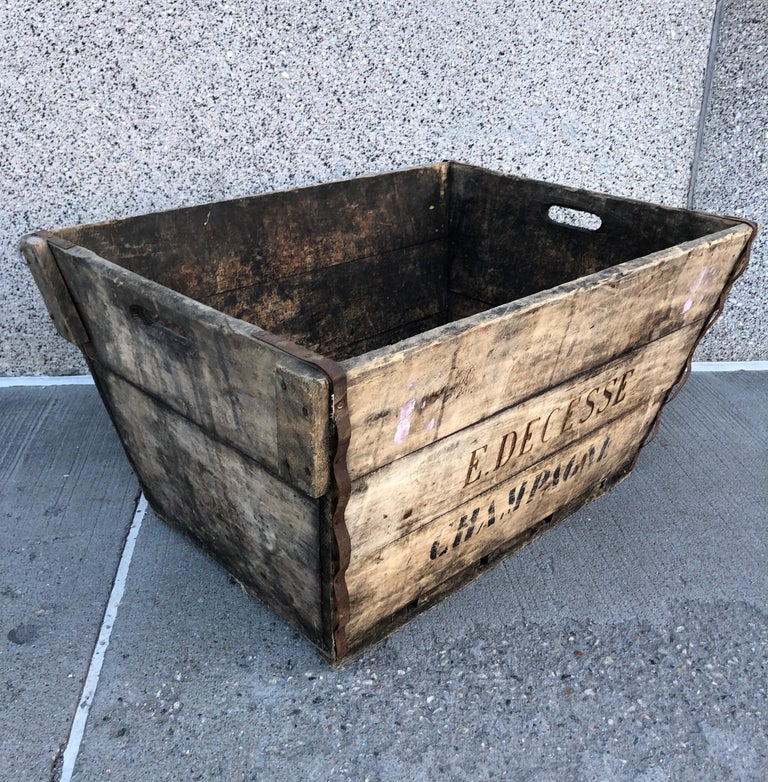 Midcentury French Champagne Harvest Basket For Sale 2