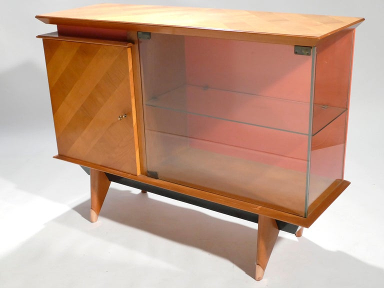 Midcentury French Modernist Cabinet Vaisselier, 1950s In Good Condition For Sale In Paris, FR