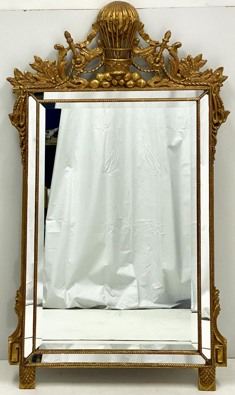 Midcentury French Napoleonic Themed Carved Giltwood Mirror In Good Condition For Sale In Kennesaw, GA