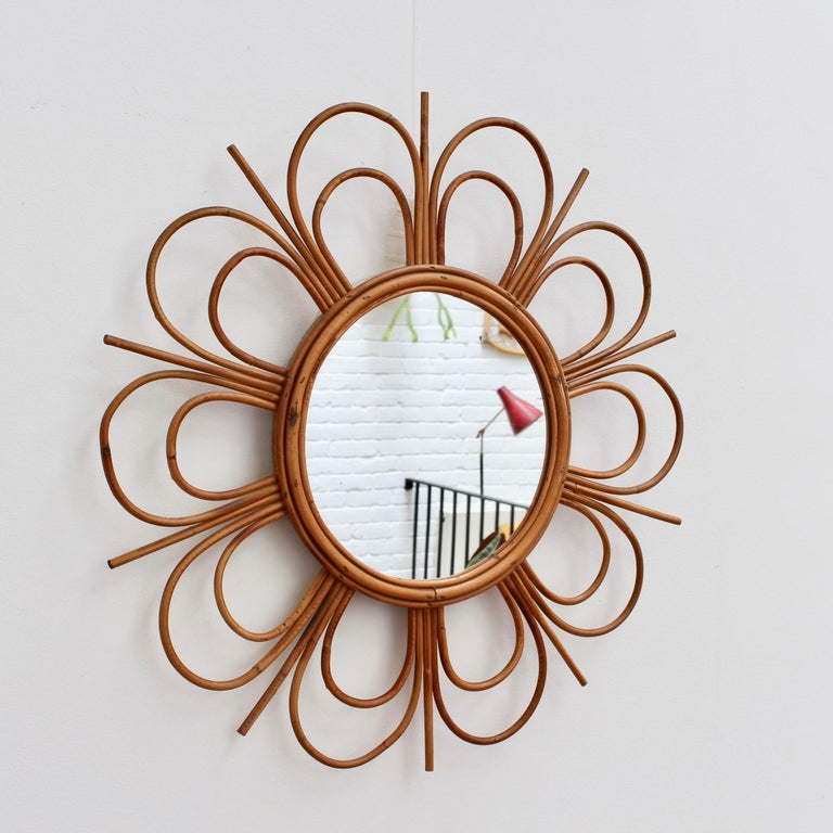 Midcentury French Rattan Flower-Shaped Wall Mirror, circa 1960s In Good Condition For Sale In London, GB