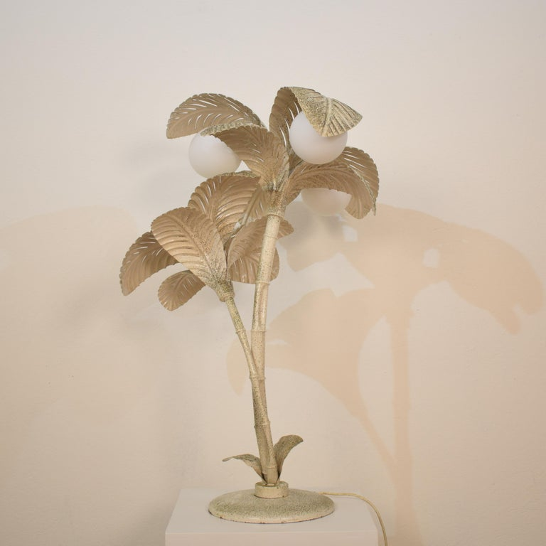 Midcentury French White / Gold Lacquered Metal Palm Floor / Table Lamp, 1970 For Sale 7