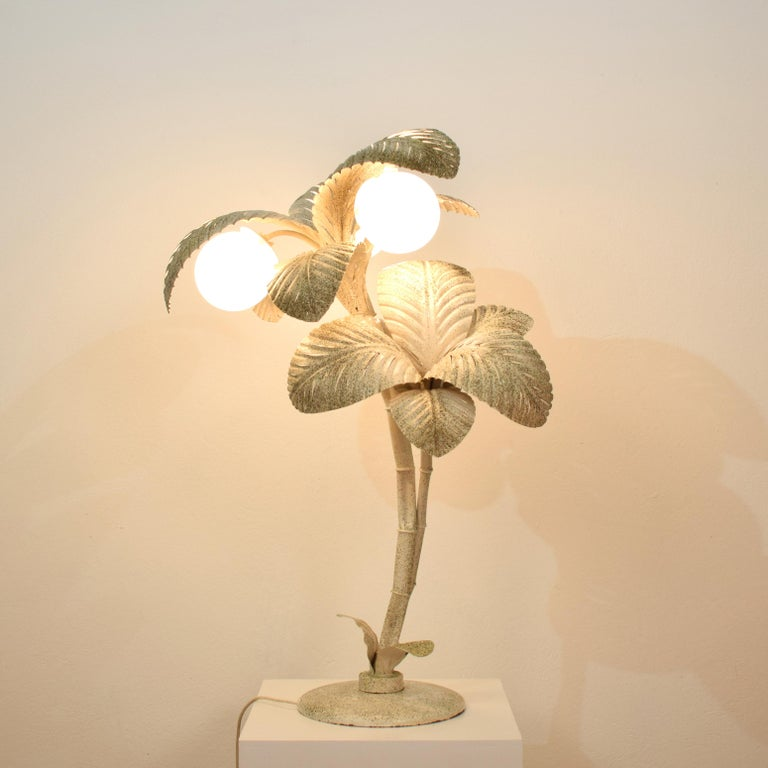 Midcentury French White / Gold Lacquered Metal Palm Floor / Table Lamp, 1970 For Sale 9