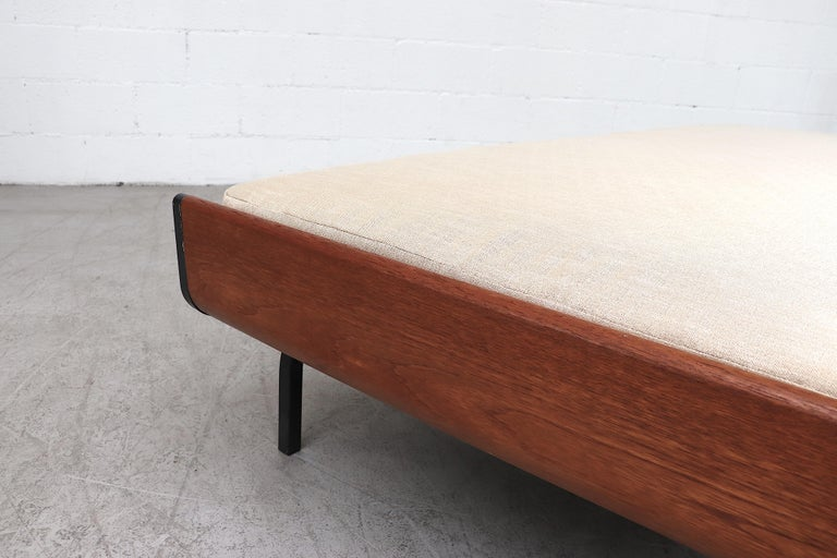 Mid-century Friso Kramer Inspired Daybed with Teak Ends for Auping For Sale 4