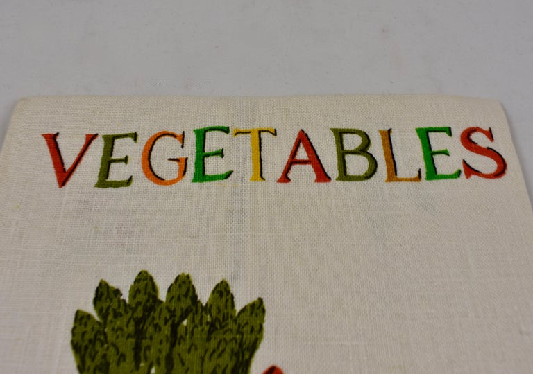 Midcentury Fruit and Vegetable Silkscreened Linen Tea Towels, S/2 For Sale 2