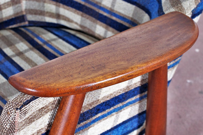 Midcentury G. Frattini Wooden Rocking Chair Tartan Fabric, Italy, 1960s For Sale 8
