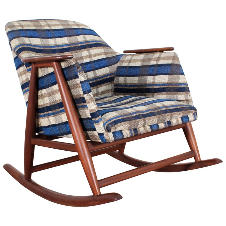 Midcentury G. Frattini Wooden Rocking Chair Tartan Fabric, Italy, 1960s For Sale