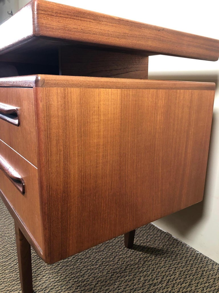 Midcentury G Plan Fresco Teak Desk or Vanity For Sale 4