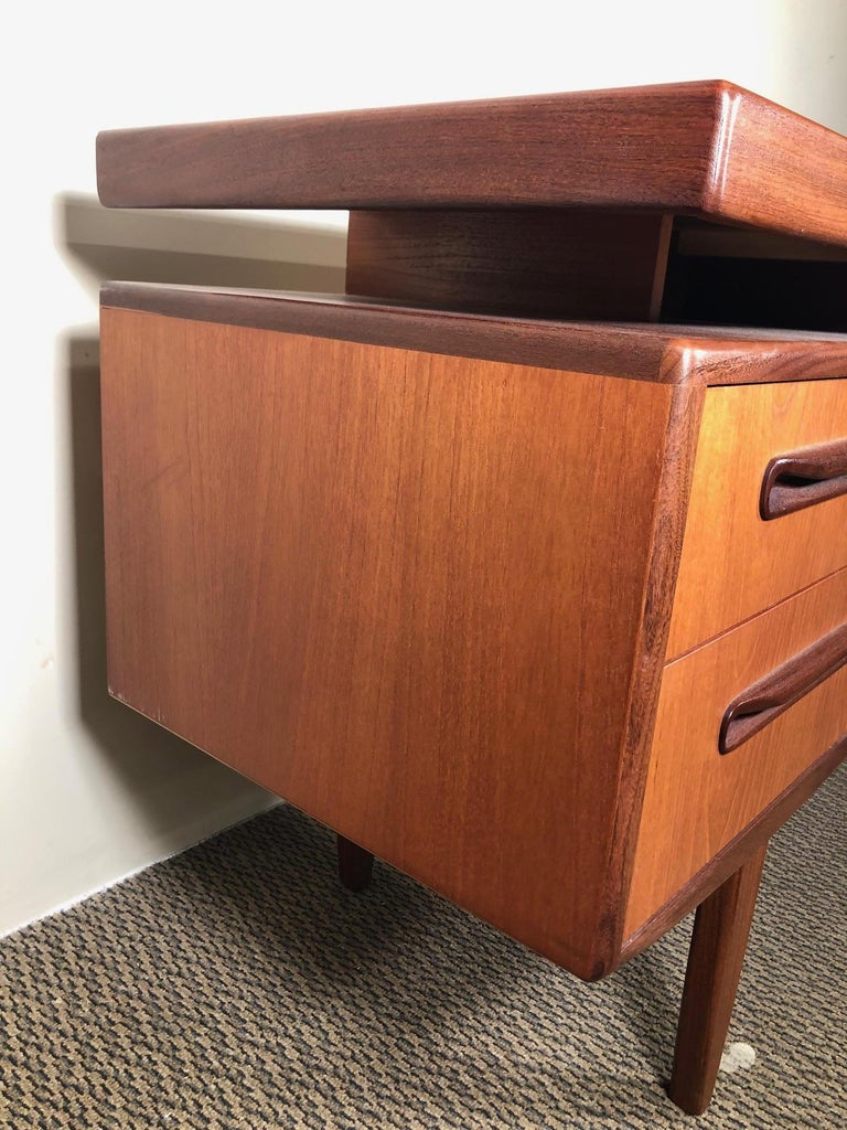 Veneer Midcentury G Plan Fresco Teak Desk or Vanity For Sale