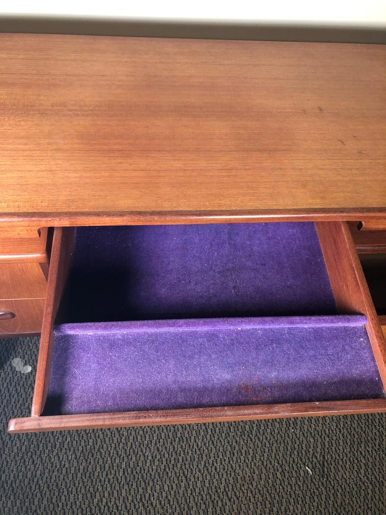 Midcentury G Plan Fresco Teak Desk or Vanity In Good Condition For Sale In Norcross, GA