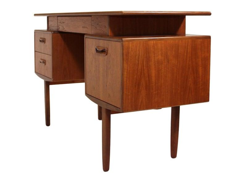 Mid-Century Modern Midcentury G Plan Fresco Teak Desk / Vanity For Sale