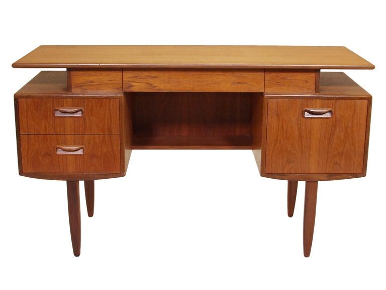 English Midcentury G Plan Fresco Teak Desk / Vanity For Sale