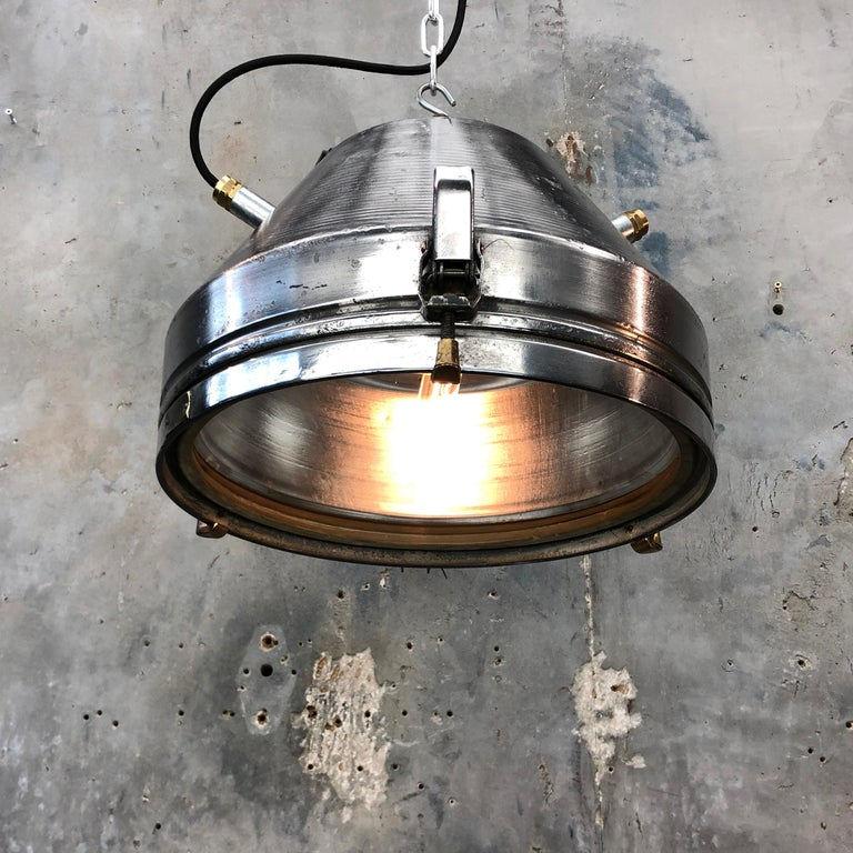 Midcentury German VEB Industrial Iron and Aluminium Pendant with Edison Bulb For Sale 10