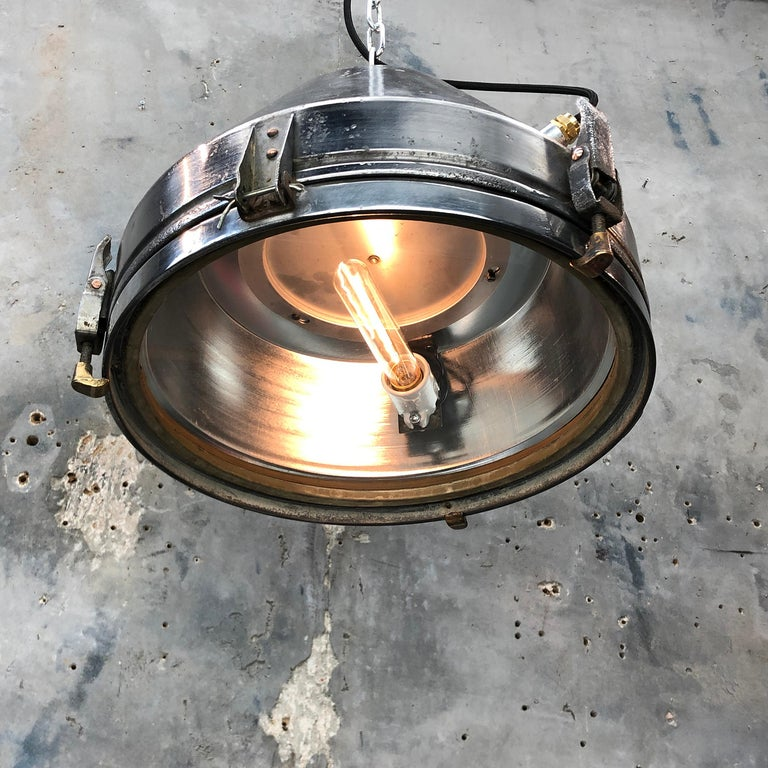 Midcentury German VEB Industrial Iron and Aluminium Pendant with Edison Bulb In Good Condition For Sale In Leicester, Leicestershire